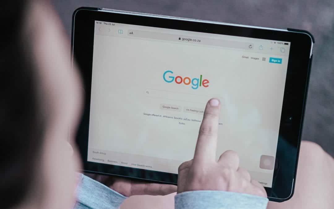 Google zoekmachine met SERP features
